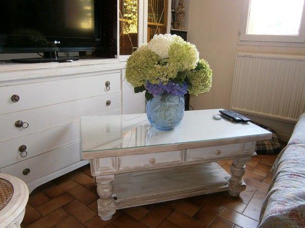 Peintures sur bois sur meubles for Peinture table basse